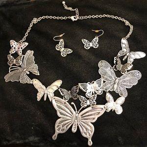 🦋 Butterflies Necklace/Earring Set 🦋